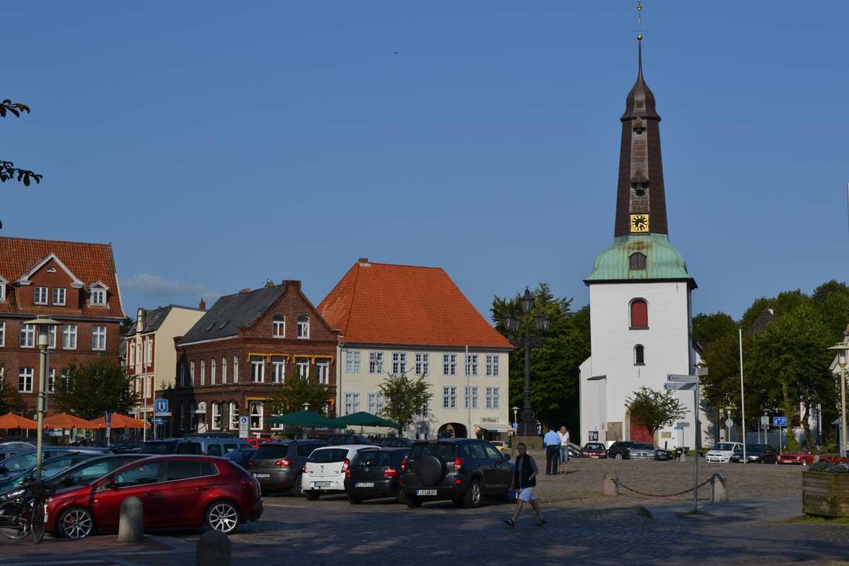 Kirche und Marktplatz