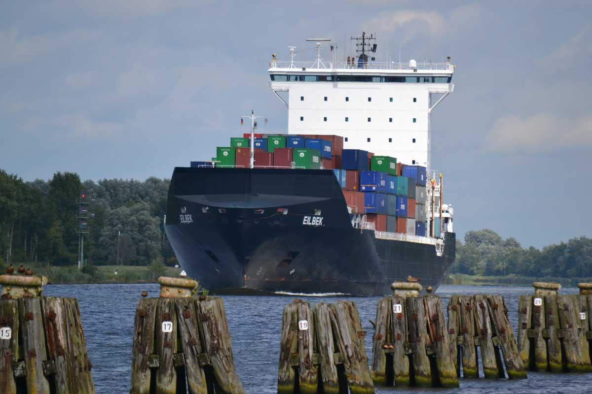 Containerschiff Eilbek