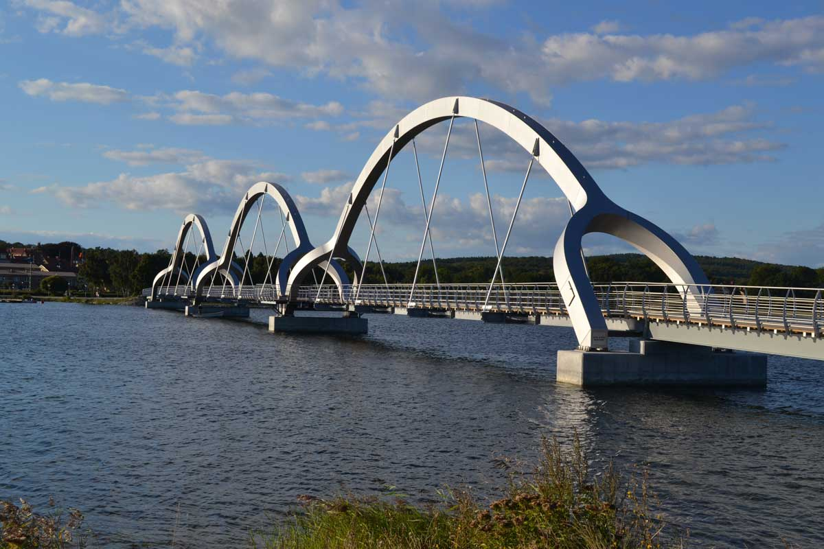 Die hypermoderne Fußgängerbrücke in Sölvesborg