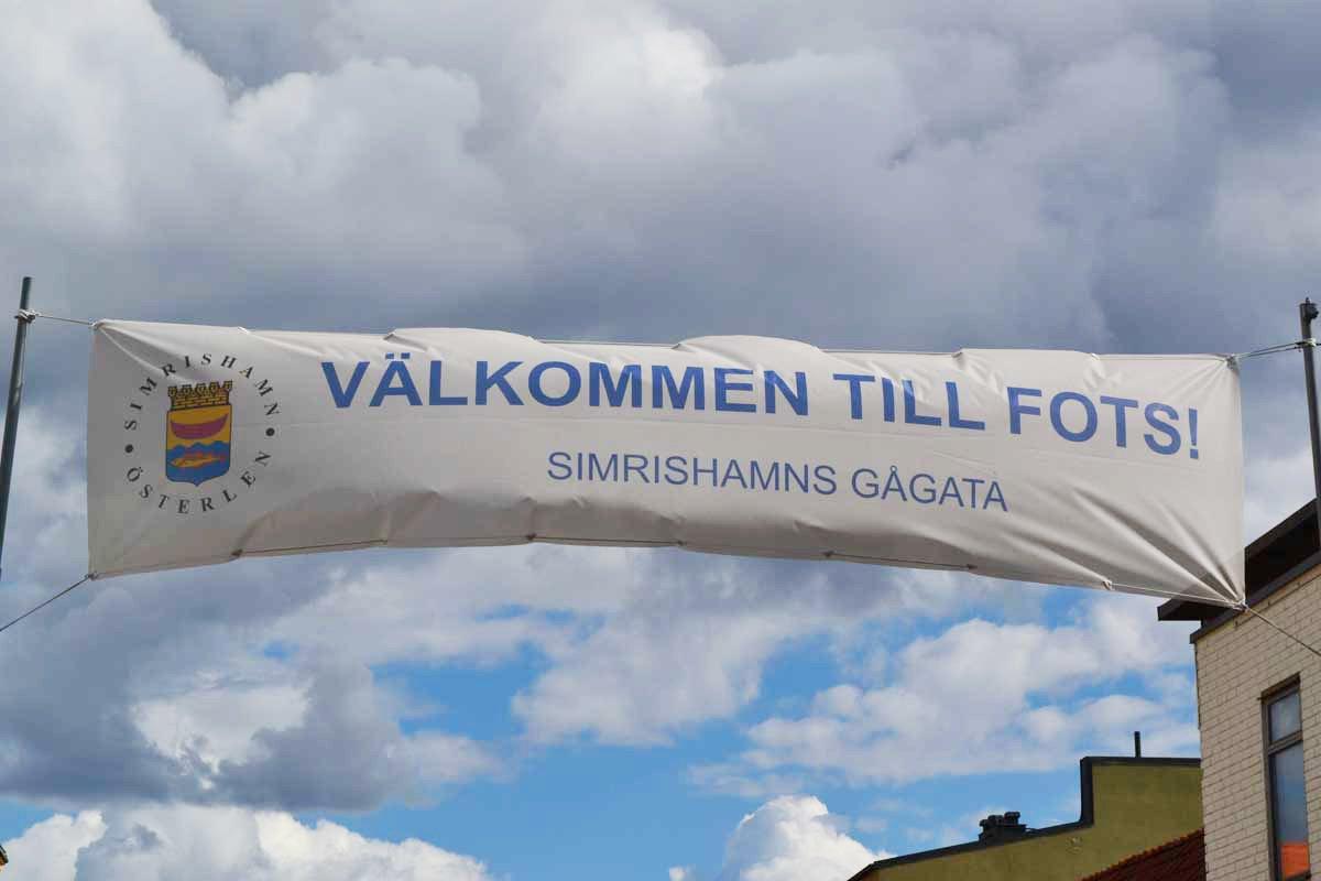 Willkommen zu Fuß - Gågata ist die schwedische Bezeichnung für Fußgängerzone