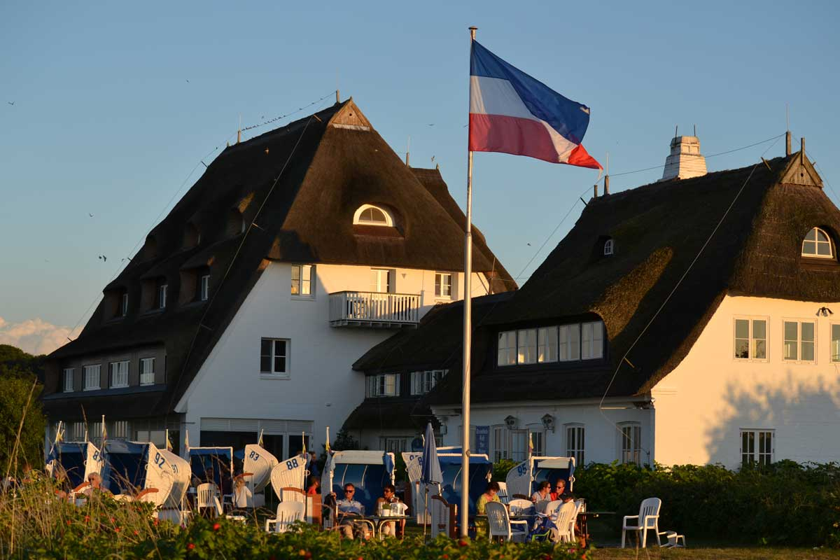 Das Restaurant Genueser Schiff in der Abendsonne