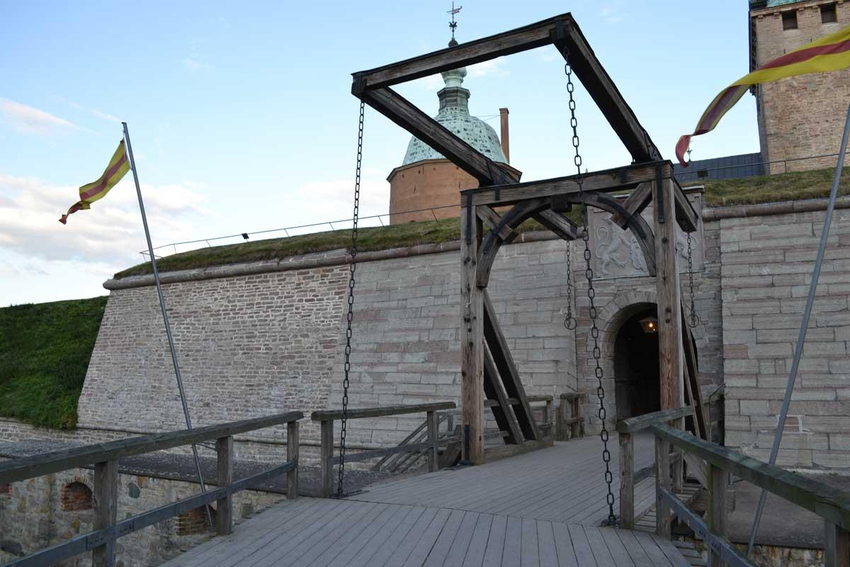 Zugbrücke zum Schloss