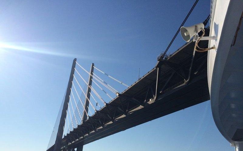 Unter der Öresundbrücke hindurch