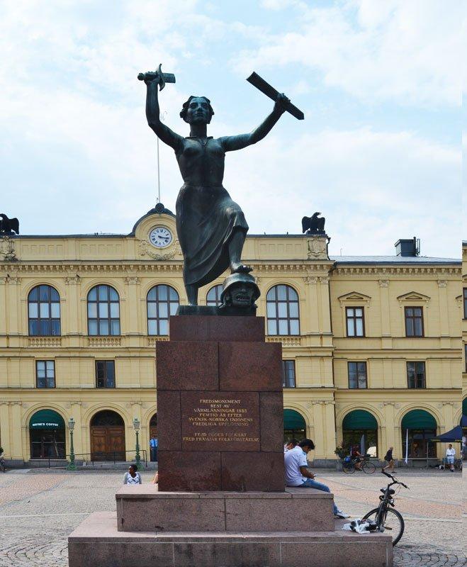 Friedensstatue in Gedenken an die friedliche Aufhebung der schwedisch-norwegischen Union 1905