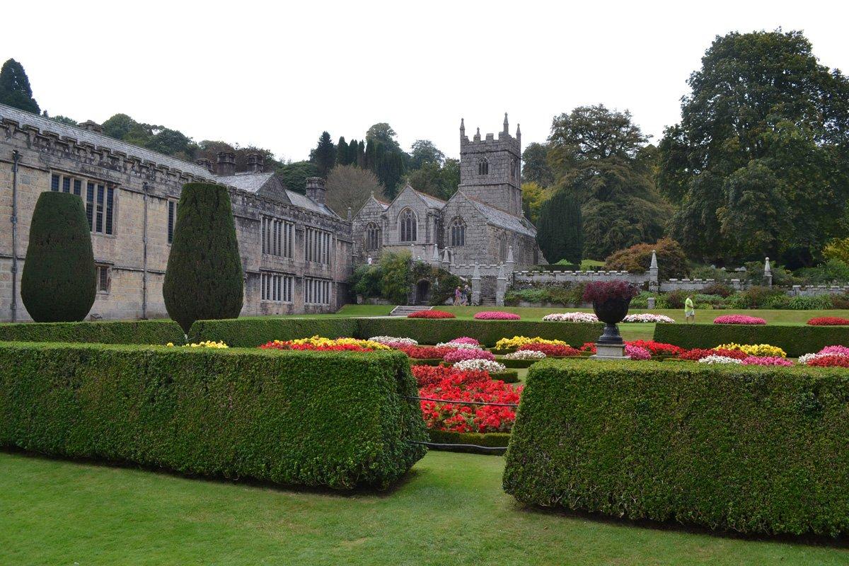 Herrenhaus und Garten
