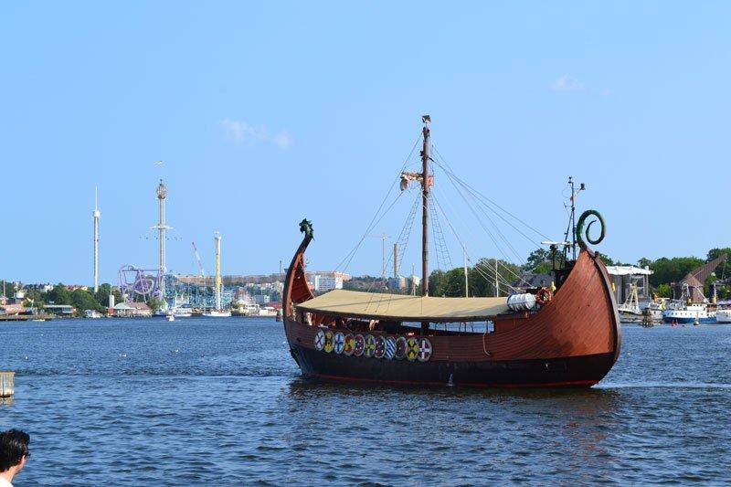 Motorisiertes Wikingerschiff