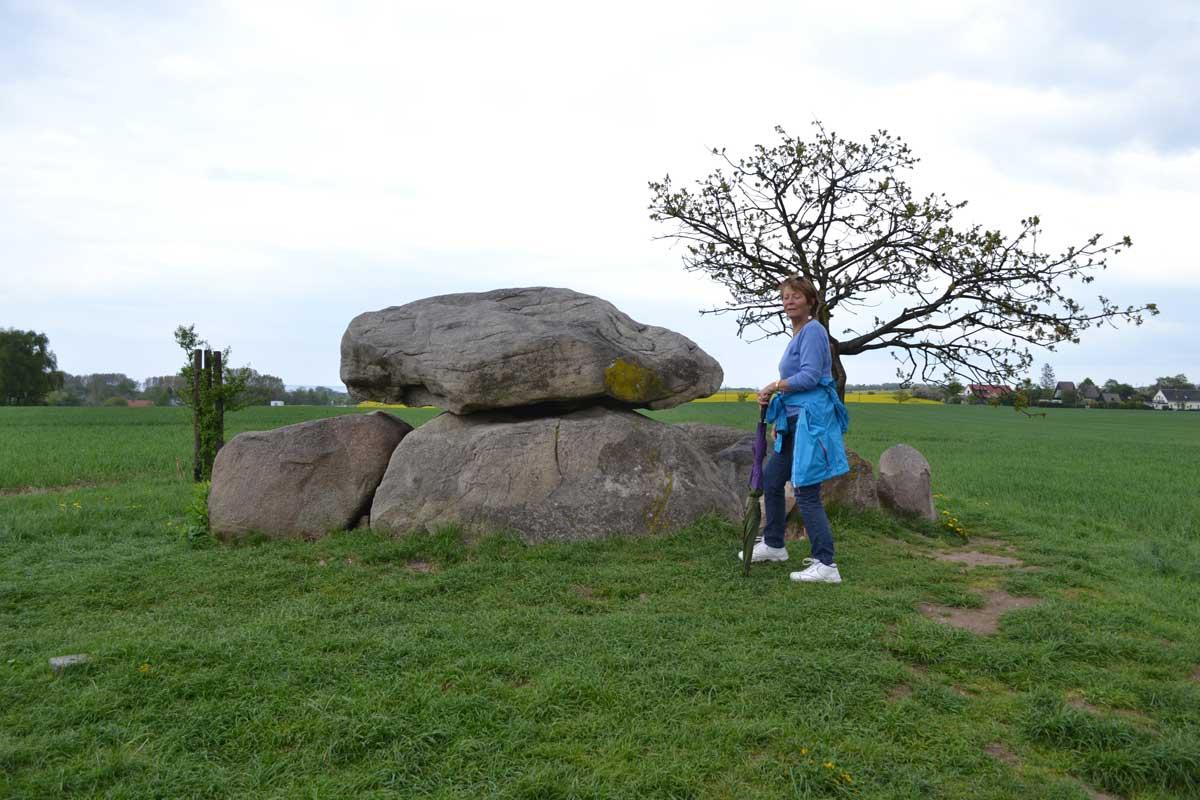 Dolmen, ein jungsteinzeitliches Steingrab
