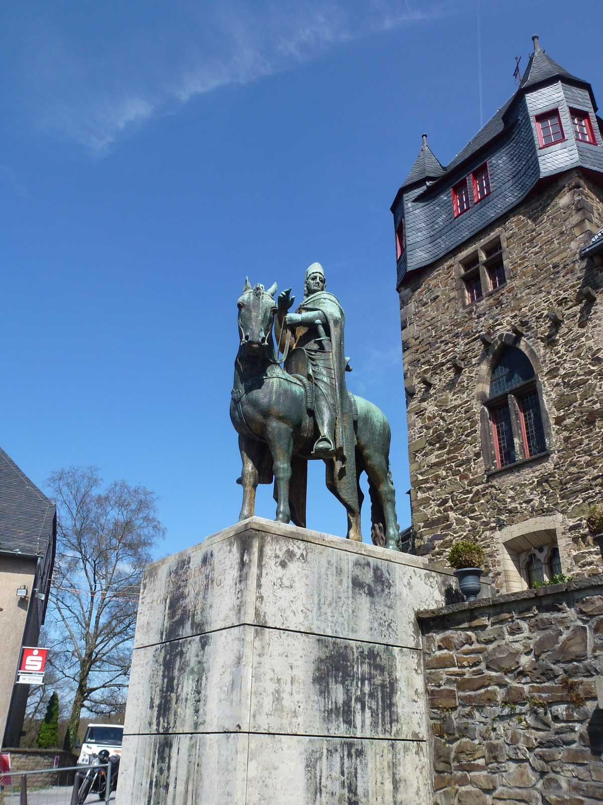 Statue von Engelbert II