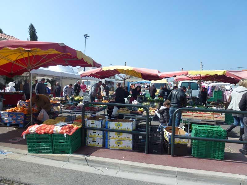 Der Wochenmarkt in Berre L'Etang