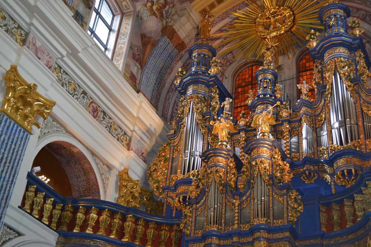 """Die prachtvolle Orgel der Kirche """"Zur heiligen Linde"""""""