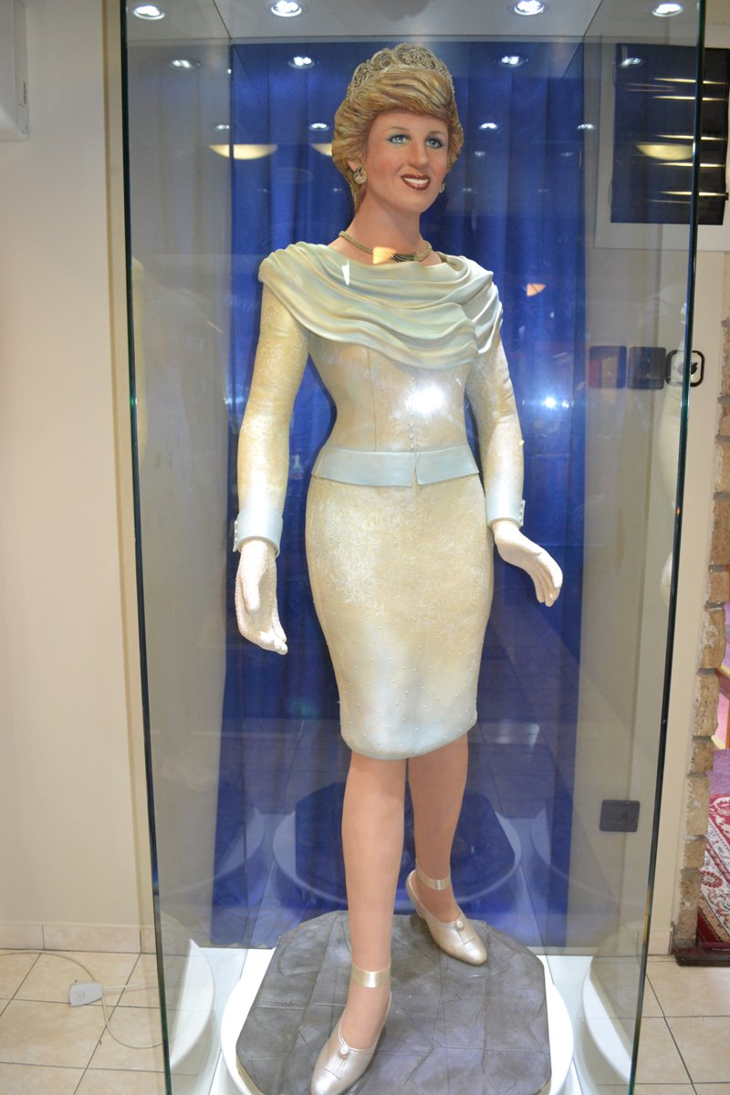 Lady Di in Marzipan
