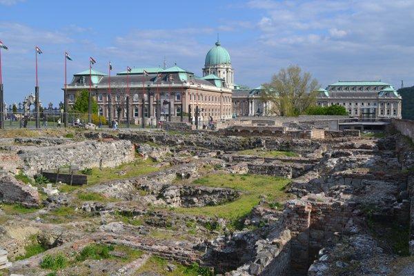 Ruinenausgrabungsfeld und Nationalgallerie