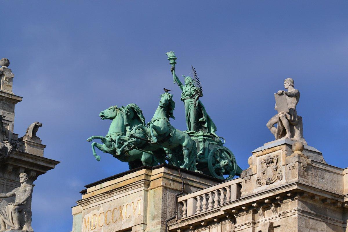 Fast wie die Quadriga auf dem Brandenburger Tor