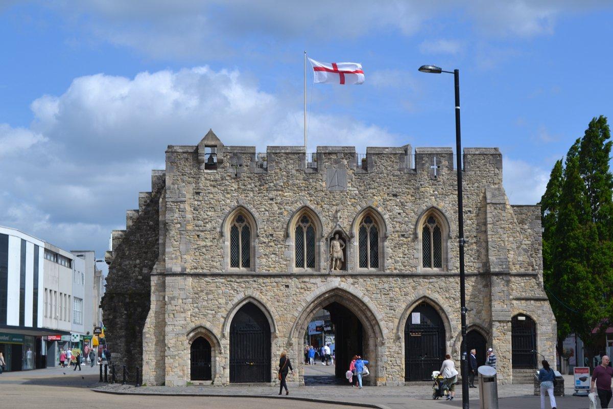 Eines der Stadttore in Southampton