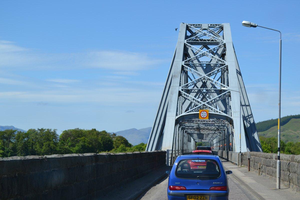 Einspurige Brücke bei Oban