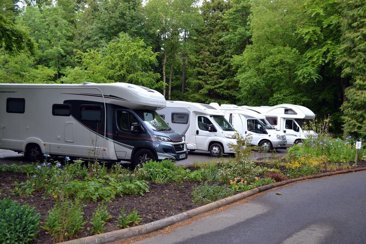 Parkplatz für Wohnmobile - Übernachten nicht erlaubt