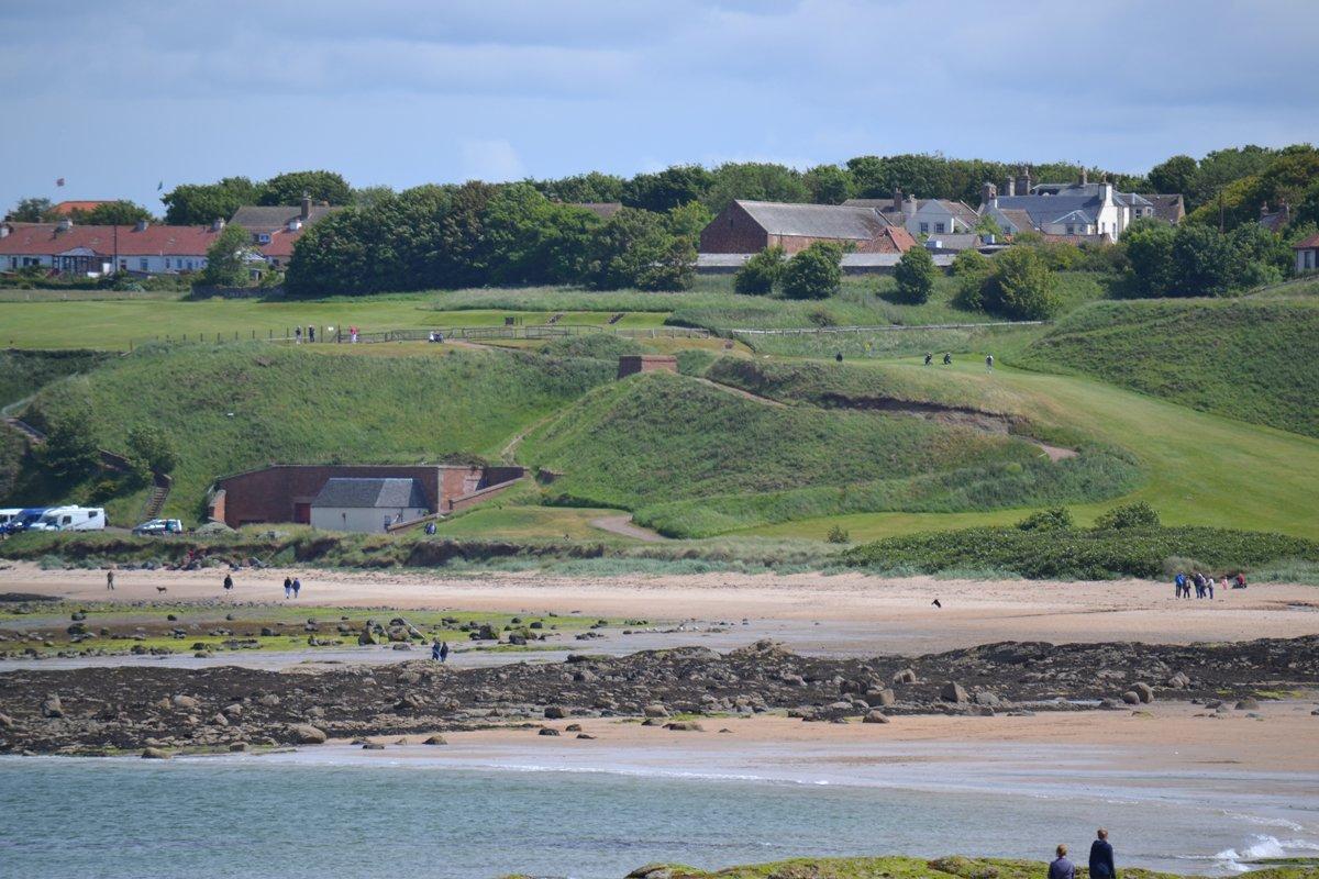 Strand und Golfplatz - unser Wohnmobil unten links
