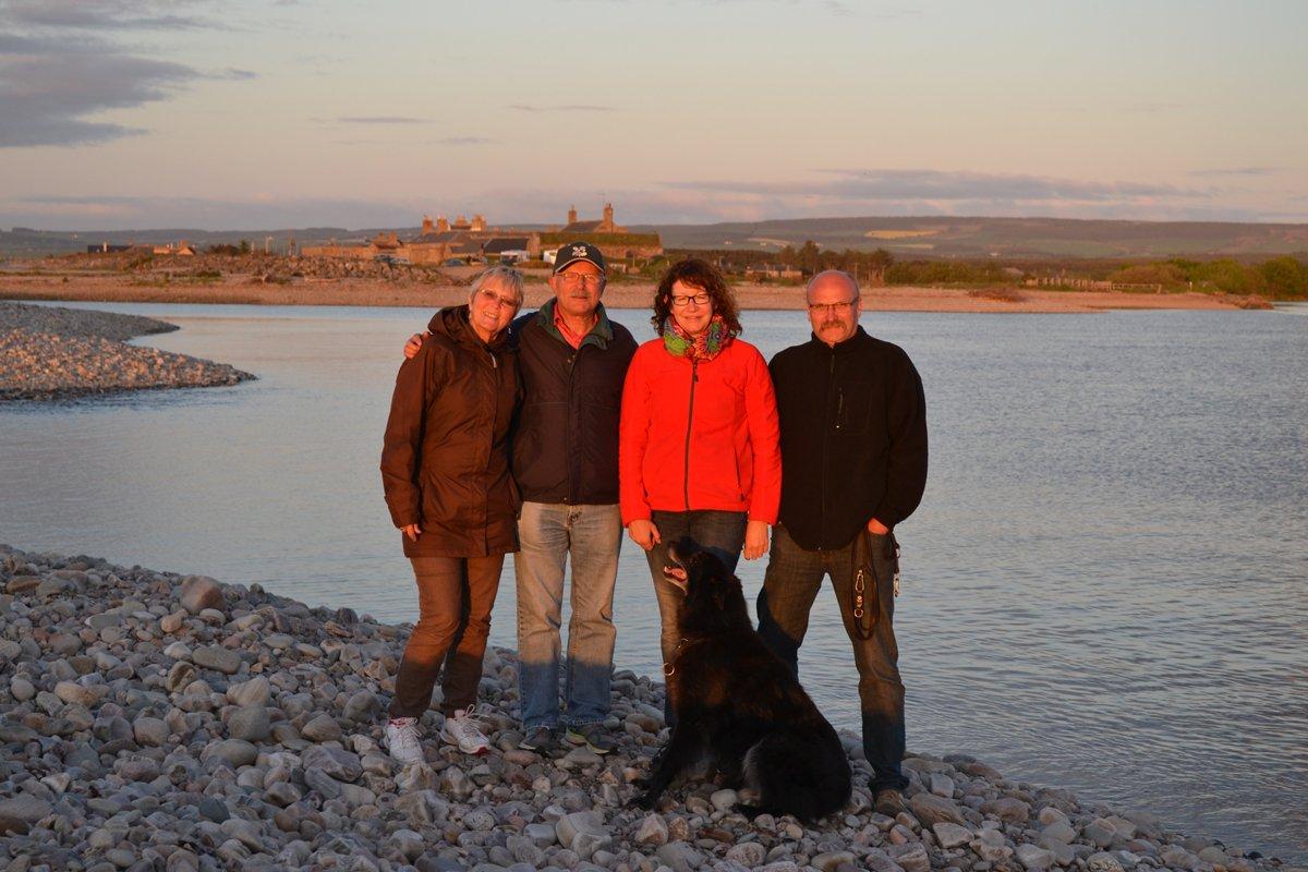 mit Nicola, Michael, Diego in Spey Bay
