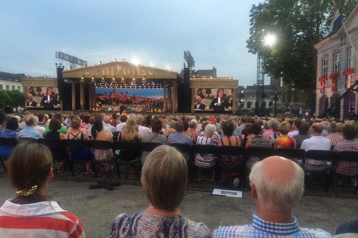 Die tolle Bühnenkulisse beim André Rieu Konzert
