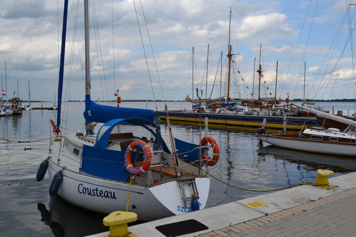 Der Bootshafen vor dem Campingplatz