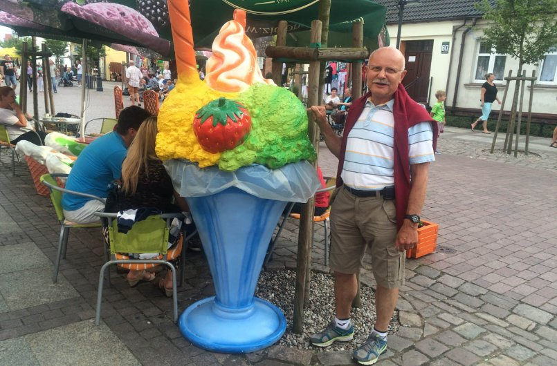 Frederick mit leckerem Eis
