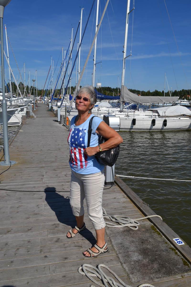 Anne im Trosa Hafen