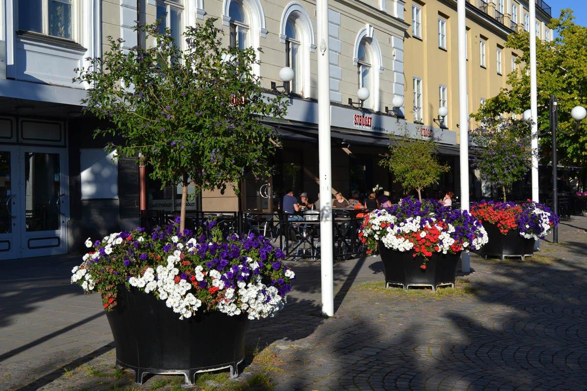 Blumengeschmückte Innenstadt