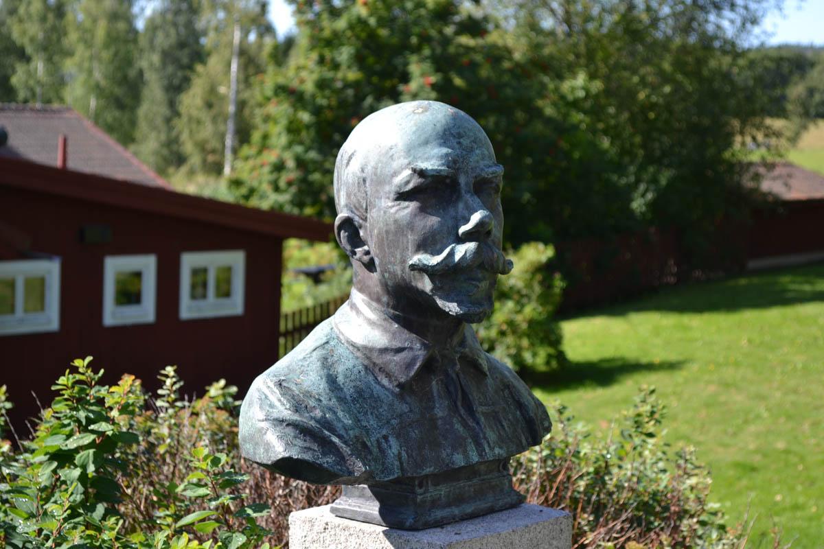 Büste von Carl Larsson