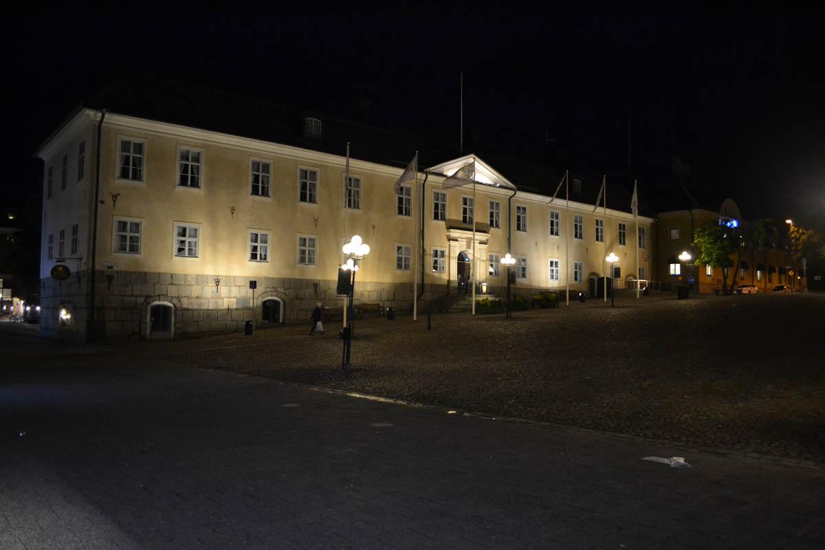 Das Rathaus angestrahlt