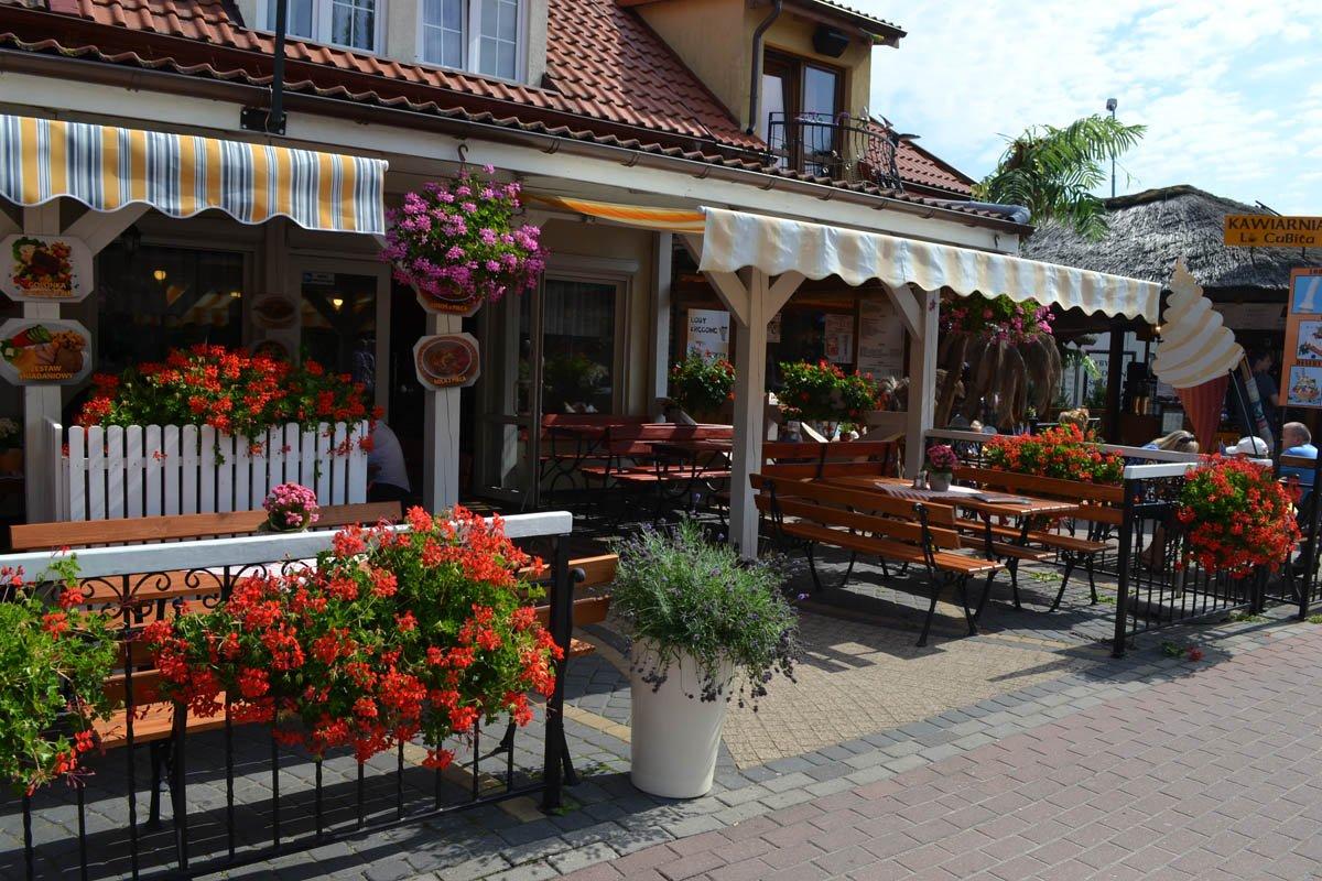 Einladende Straßenrestaurants