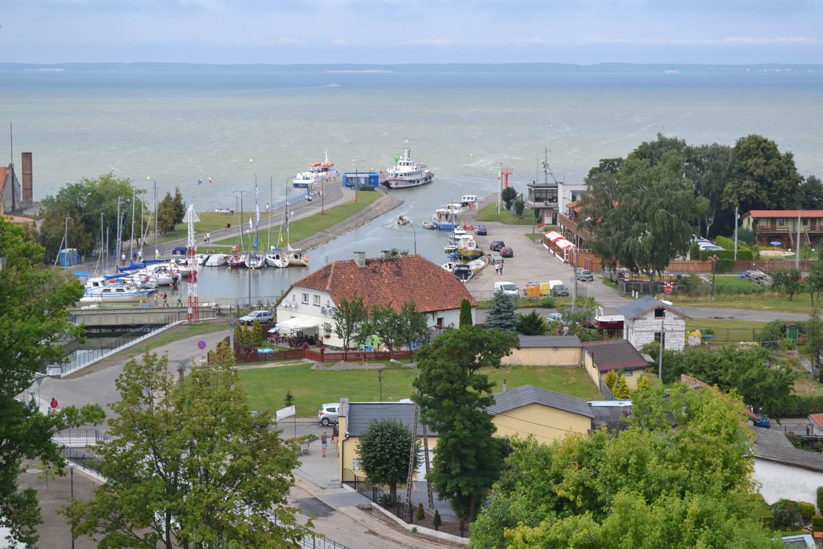 Blick auf Frombork Hafen und das Frische Haff