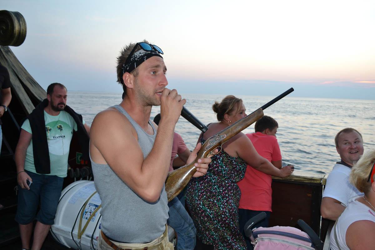 Pirat Jan Kowalski heizt ein