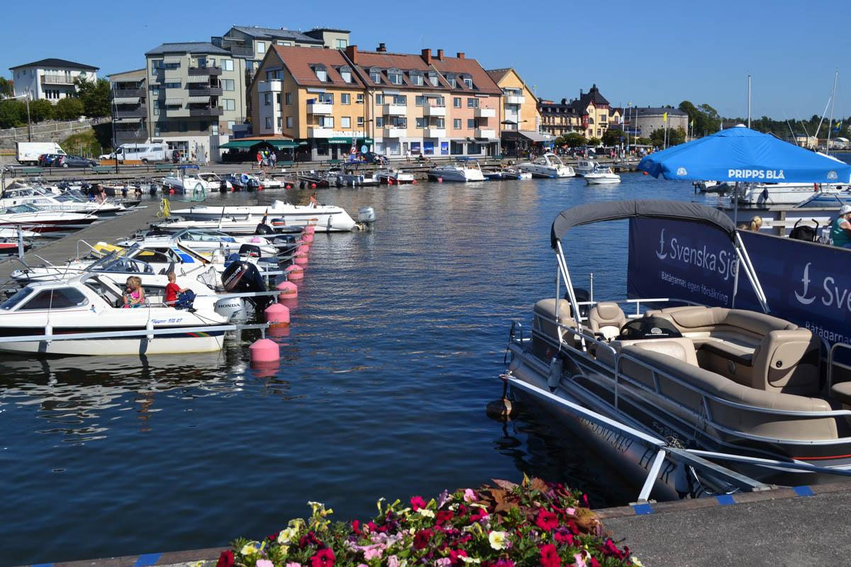 Blick auf Vaxholm Yachthafen
