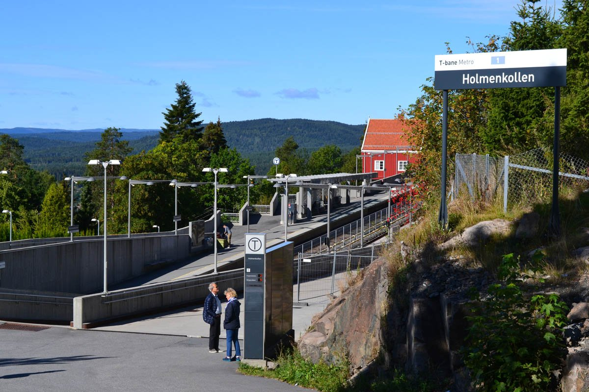U-Bahnhof (T-Bane) Holmenkollen