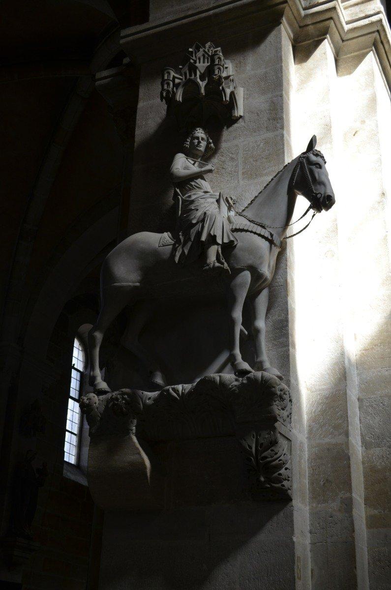 Das Denkmal des Bamberger Reiters im Bamberger Dom