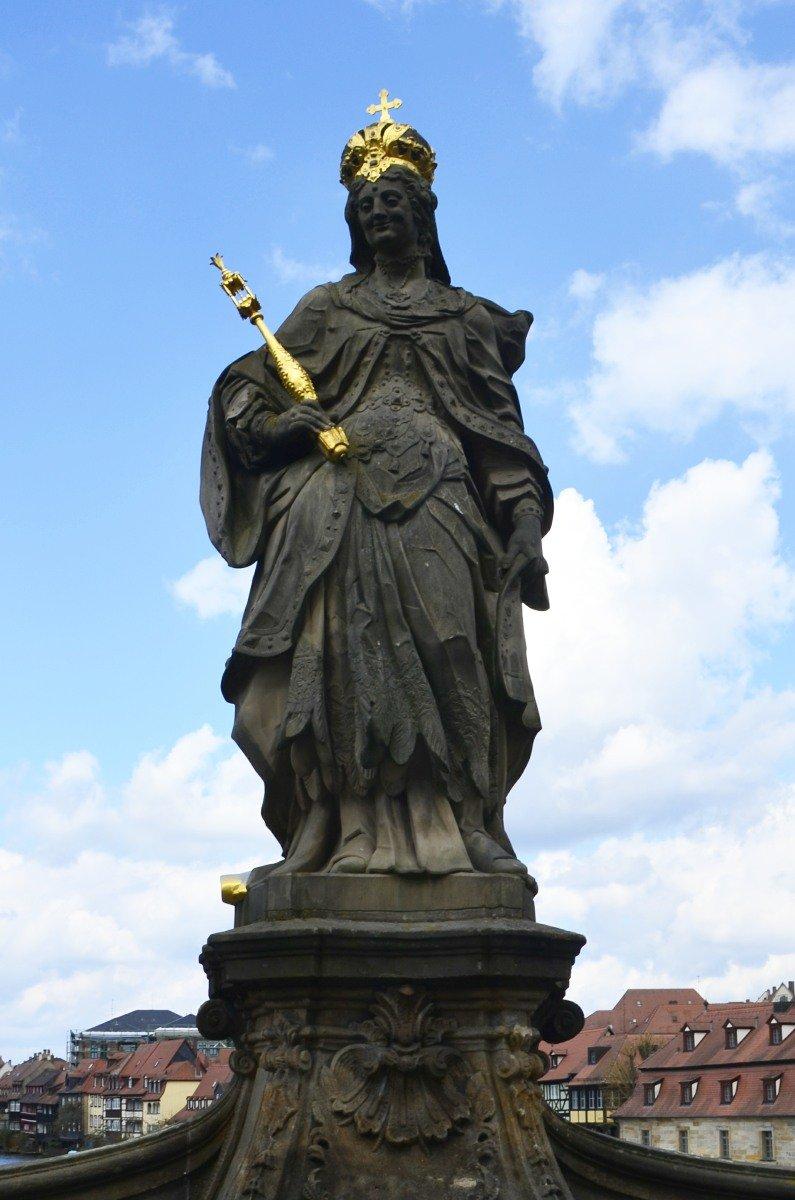 Denkmal von Königin Kunigunde auf der Regnitzbrücke