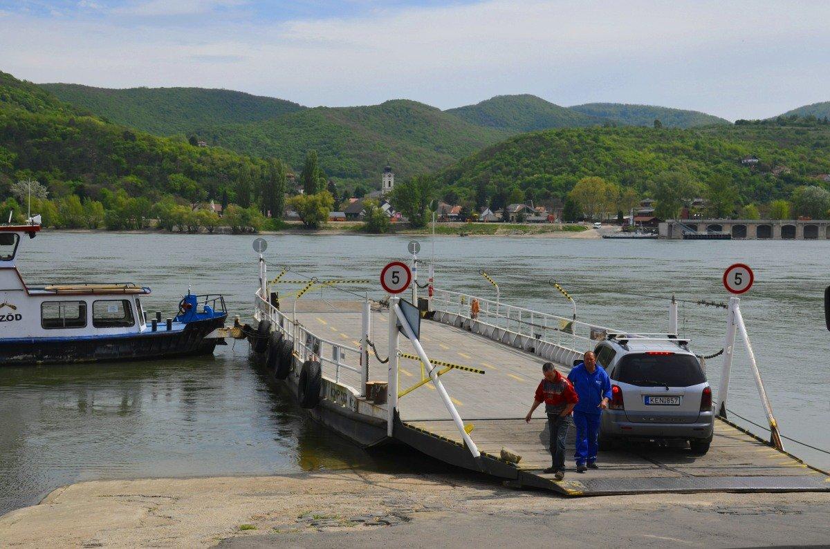 Die Donaufähre Nagymaros - Visegrád