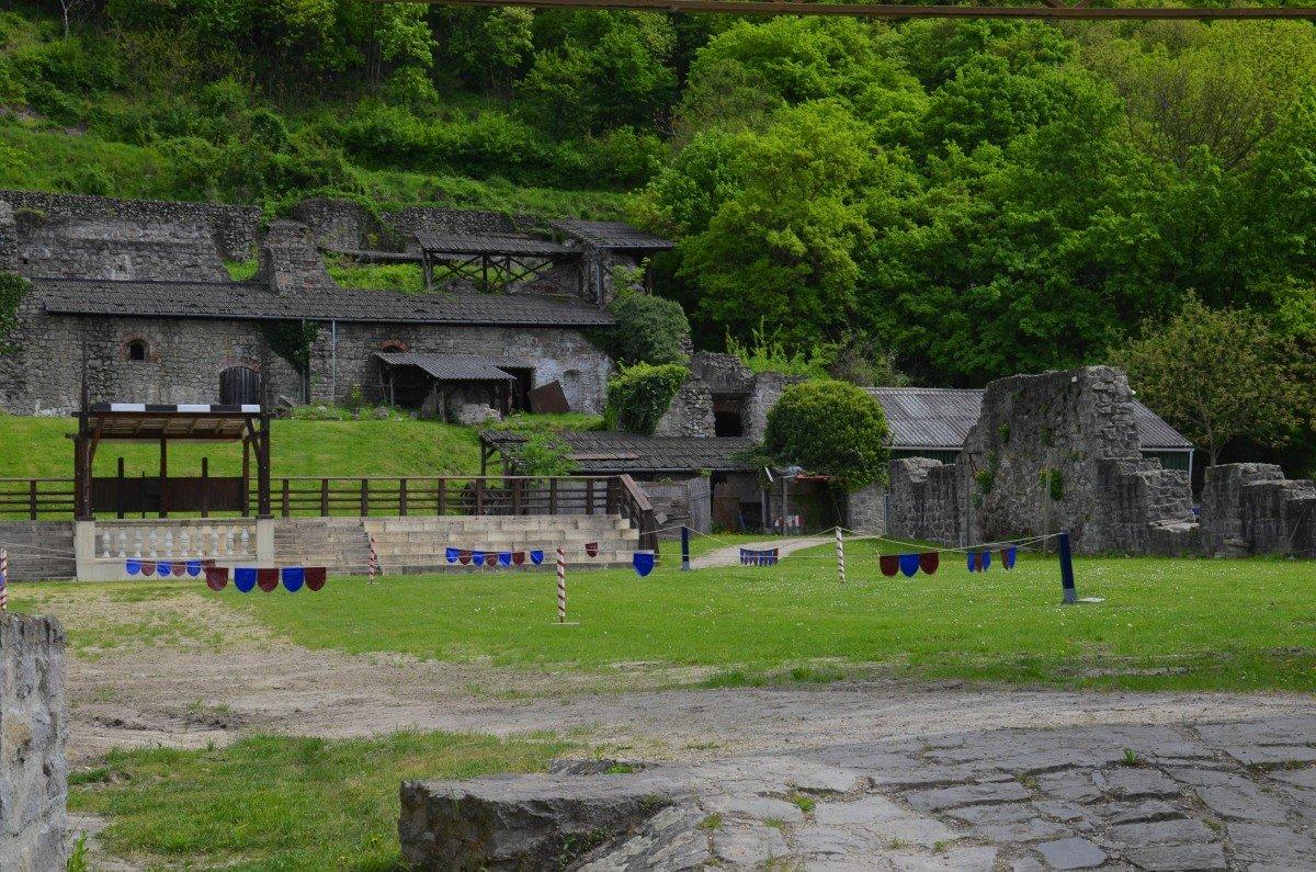Hier werden mittelalterliche Turniere veranstaltet