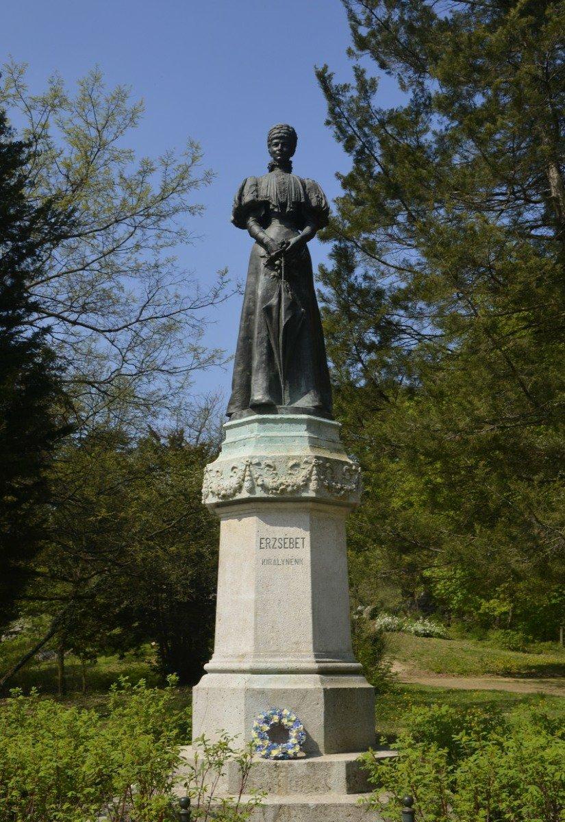 Sisi-Statue im Elisabeth-Park