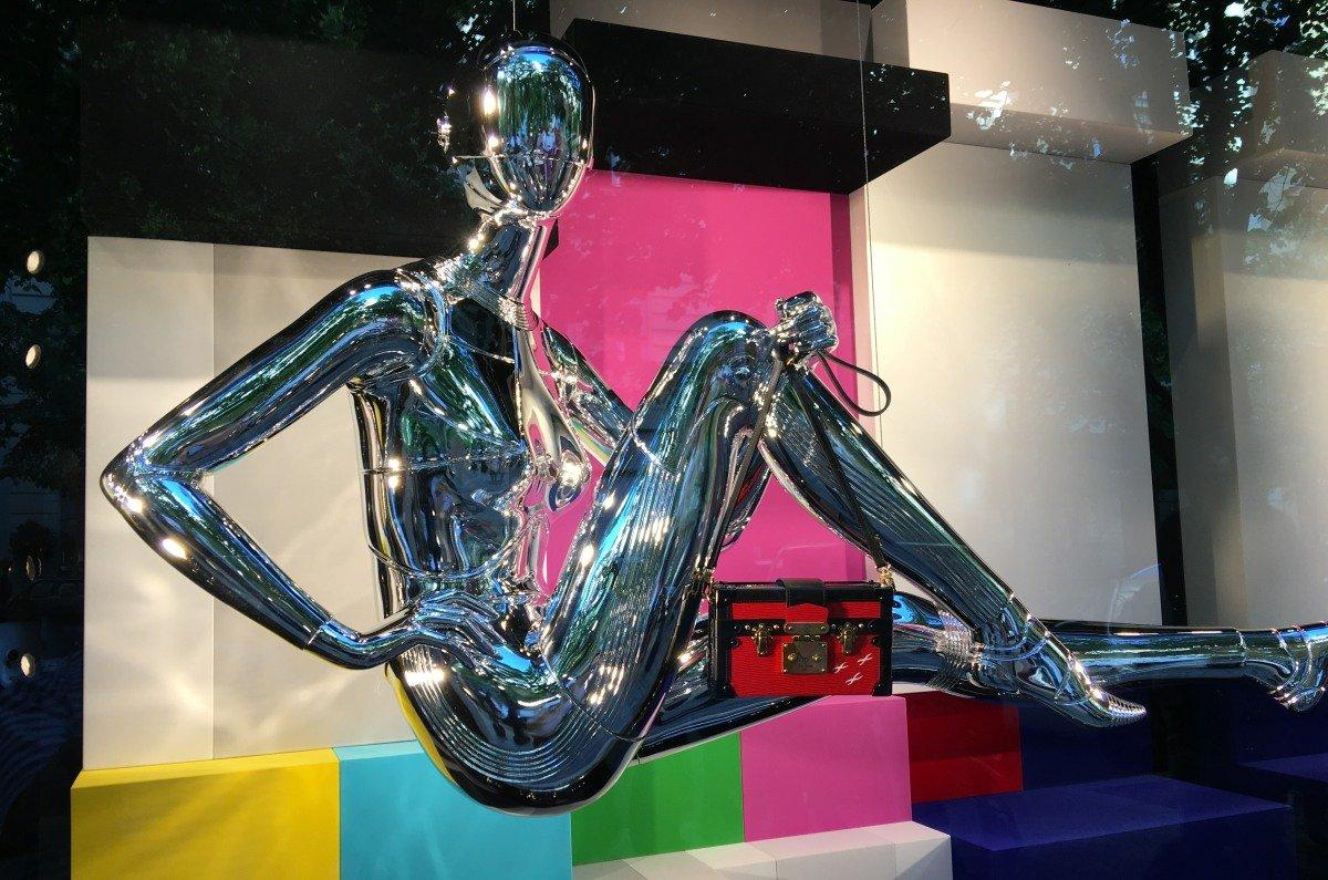 """Glitzerne Dekoration in sündhaft teurem Laden auf der """"Pařížská"""""""