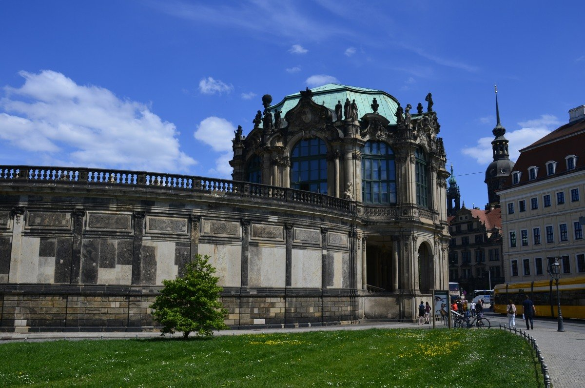 Eingangsportal des Zwingers