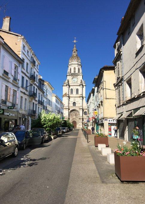 Bourg-en-Bresse Kirche