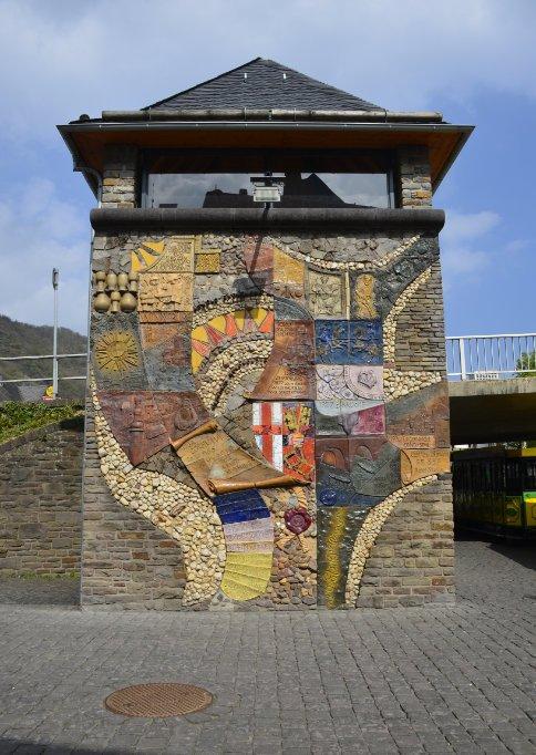 Mosaik von Karlfritz Niklay
