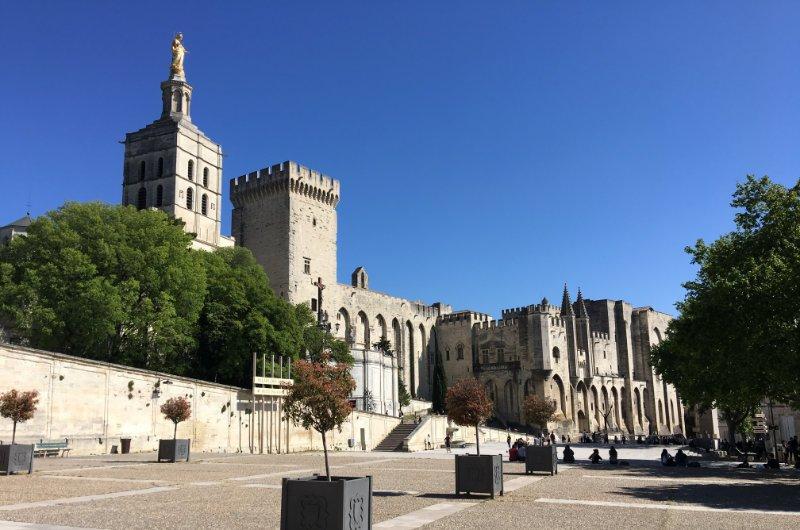 Päpstlicher Palast