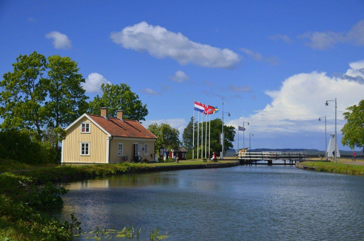 Die 1. Schleuse am Vänernsee in Sjötorp