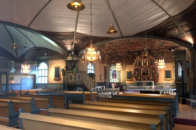 Innenraum der Kirche in Karlskoga