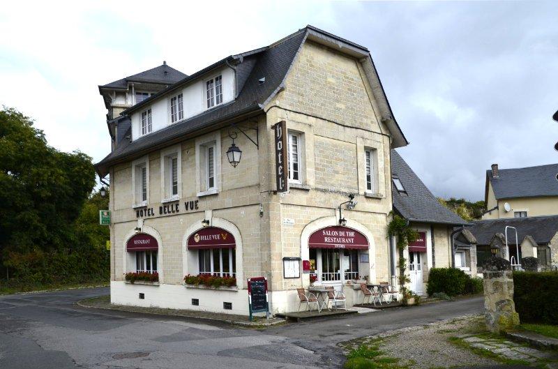 Kleines Hotel mit Restaurant in der Oberstadt