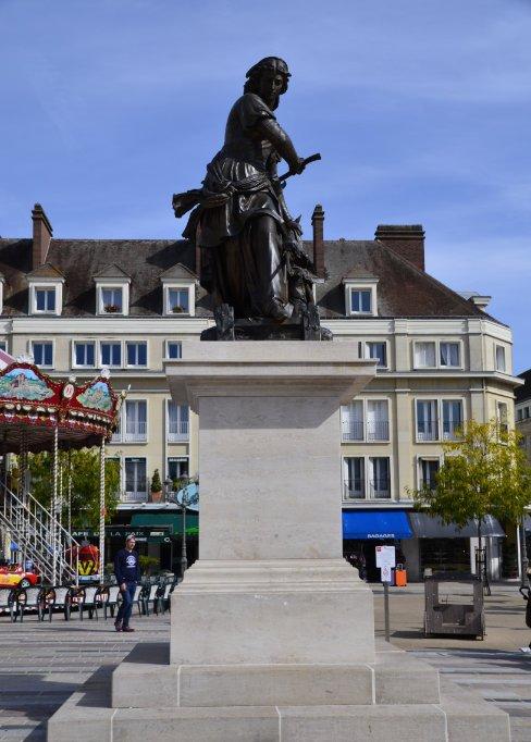 Statue der Jeanne Hachette