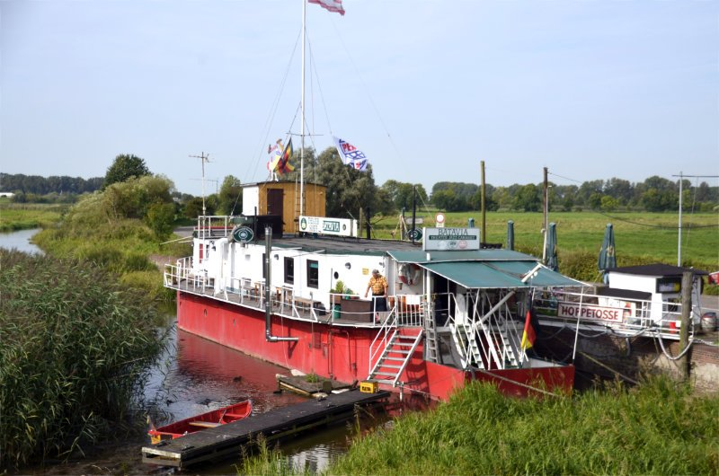 Theaterschiff in Wedel