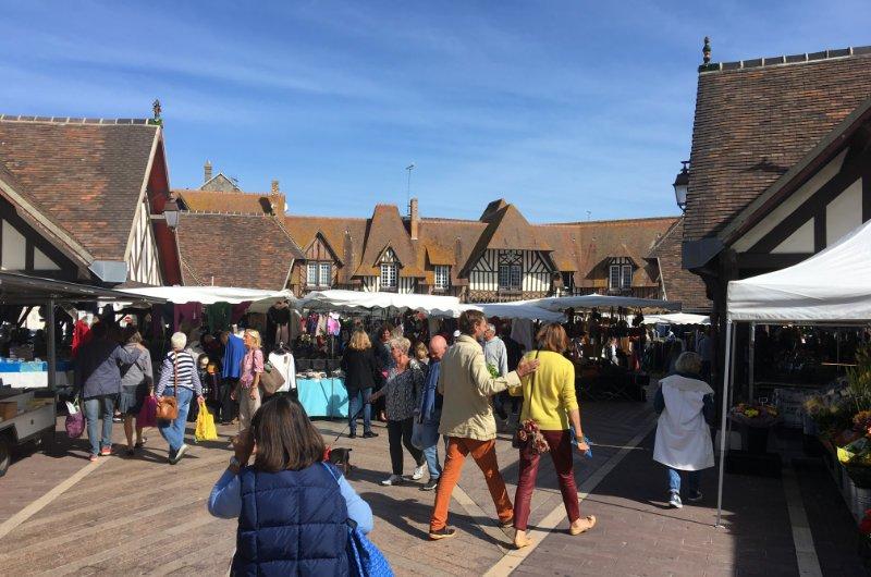 Wochenmarkt in Deauville